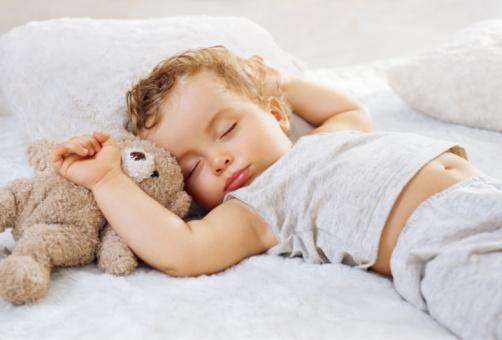 почему у ребенка плохой запах изо рта