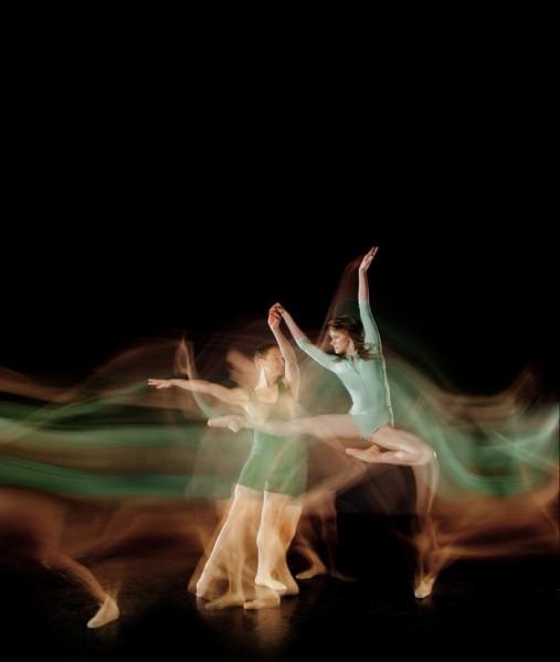 http://img.zzweb.ru/img/890397/long-exposure-ballet-2-507x600.jpg