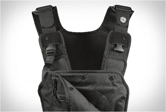 http://img.zzweb.ru/img/892163/mission-critical-baby-carrier-3.jpg